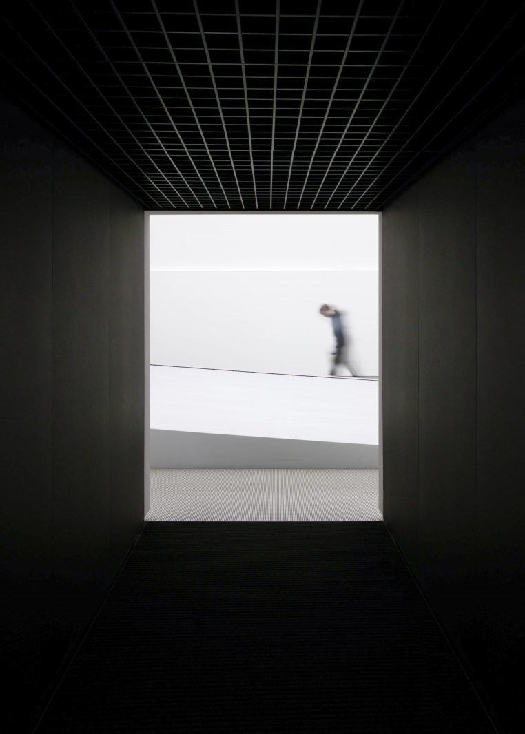 Stefan Helling Iart Hyundai Olympic Pavilion Water Installation Corridor