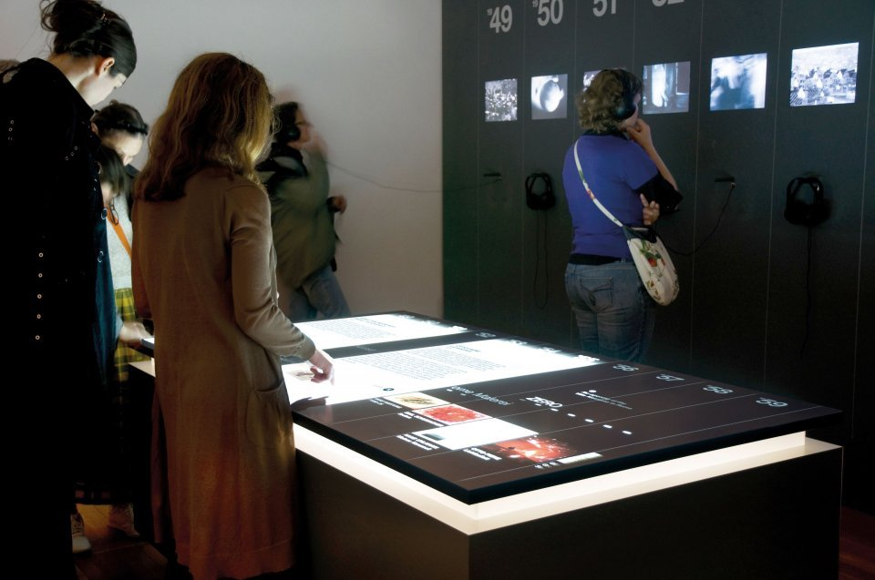 Stefan Helling Artcom 60 Years Works Multitouch Table Visitors